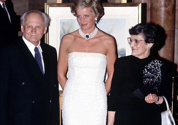 A vacsorán természetesen Göncz Árpád felesége, Göntér Zsuzsanna is részt vett.
