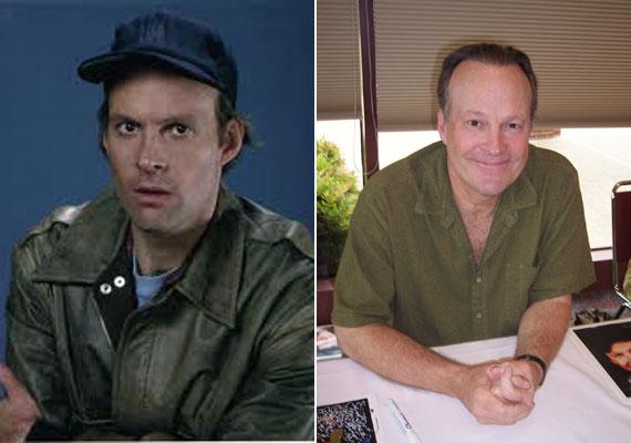 Talán a legfrappánsabb karakter a sorozatban a kicsit bolondos, ám okos szakembert játszó Dwight Schultz volt. Murdock és Mr. T civakodásait élvezettel néztük, és jót derültünk rajtuk. A színész a Star Trek-filmekben is feltűnt.