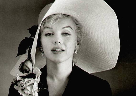 - Búcsúzz el Pattől, búcsúzz el Jacktől és búcsúzz el magadtól is, mert egy nagyszerű fickó vagy - mondta állítólag Marilyn Monroe telefonon, halálának éjszakáján Peter Lawford színésznek, aki John F. Kennedy veje volt. A színésznő 36 évesen hunyt el.
