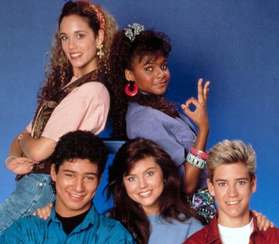 Még tinédzser volt, amikor szerepet kapott a Saved by the Bell című sorozatban. 1989 és 1993 között alakította a feminista Jessie Spanót.