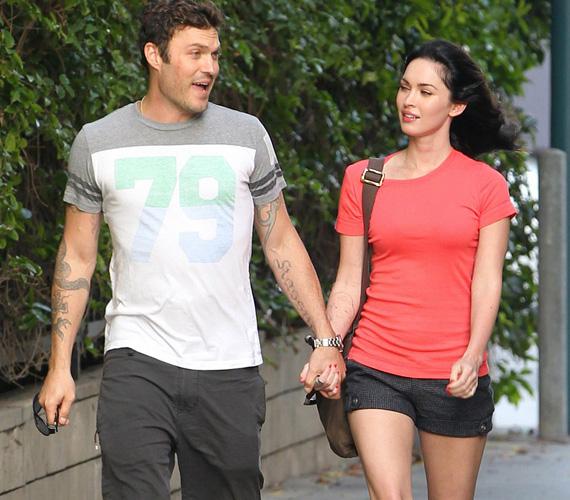 Megan Fox és Brian Austin Green. A 28 éves színésznő és a 41 éves színész kapcsolata 2004-ben kezdődött, de a rajongók sokáig csak találgatták, hogy mi van köztük valójában. Végül 2010 júniusában keltek egybe a legnagyobb titokban, két héttel azután, hogy Brian megkérte Megan kezét, egyetlen tanújuk a színész kisfia volt. Azóta két közös gyermekük is született.