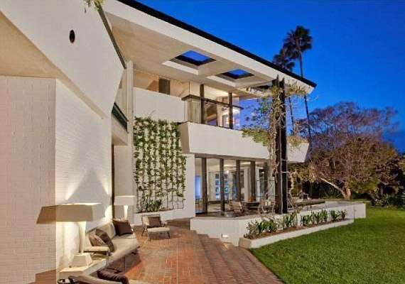 ABrody-házként ismert komplexumot a neves építész,A. Quincy Jones álmodta meg, és 1951-ben készült el.