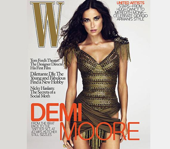 Demi Moore W magazinos címlapfotója 2009-ből őrületes baki. A színésznő teste aránytalanul sovány, bal csípője pedig nem kapcsolódik a lábához.