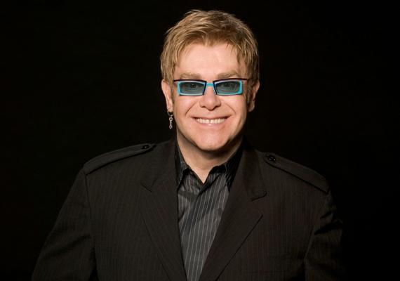 Jeffrey Wenninger 2014 szeptemberében mondott fel, amikor már nem bírta tovább az énekes zaklatását. Állítólag pszichológusa tanácsára döntött úgy, hogy feljelenti Elton Johnt.