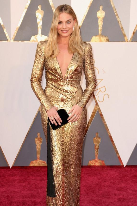A Wall Street farkasa után férfiak milliói vesztek meg a gyönyörű Margot Robbie-ért, pedig neki is azt mondták, hogy ha sztár akar lenni, legalább tíz kilót le kell dobnia.