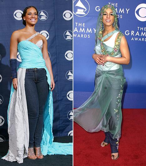 Alicia Keys  Bármilyen furcsa, Alicia Keys 2002-es ruhája - jobb oldalon - Christian Dior kollekciójának egy darabja. Mindenesetre a szárira emlékeztető kapucnis kendő, melyet Swarowski kristályokkal díszítettek, valamint az alatta viselt farmer elég furcsa összhatást keltett. A bal oldali 2004-es darab ehhez hasonlatos, itt egy hibrid estélyi-farmer szettben lépett a vörös szőnyegre.