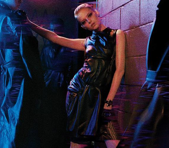 A 23 éves színésznőnek rendkívül jól álltak Christopher Kane és Yves Saint Laurent ruhái.