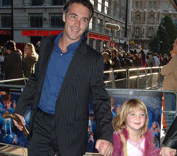 Gaia 2005-ben a Nanny McPhee - A varázsdada premierjén még csak hatéves volt. A filmben anyja alakította a címszereplőt.