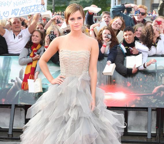 A Harry Potter és a Halál ereklyéi második részének londoni premierjén egy gigantikus tüllruhában lépett a vörös szőnyegre.