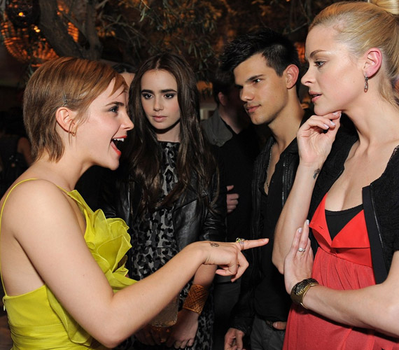 A dögös Emma igazán elemében volt, mindenkivel összebarátkozott.