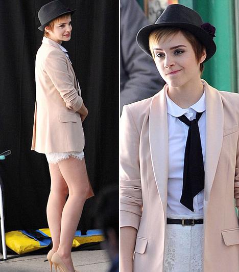 A Lancôme arca lett  Bár 2009-ben nagy elánnal vágott bele egyetemi tanulmányaiba, 2011-ben - tervei szerint csak egy időre - otthagyta a Brown Universityt, hogy eleget tehessen a Lancôme felkérésének, akik vele mutatják be legújabb termékeiket. Az első reklámfilmet 2011 márciusában Párizsban forgatták, Emma Watson egy csókálló rúzst népszerűsít a spotban.