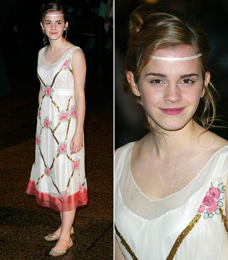 A'la hatvanas évek                         A 2005-ös Harry Potter és a Tűz serlege premierjére Emma Watson a hatvanas évek virággyermekeit idéző stílusban jelent meg. Ezúttal aranyszínű balerinacipőt húzott a vádliig érő virágos ruhához, a homlokára pedig egy vékony selyemszalagot kötött.