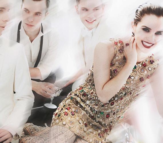 A fotózáson Emma modellfiúkat is kapott maga mellé, a magánéletben azonban a bájos színésznő jó ideje szingli. Elmondása szerint a fiúk félnek közeledni hozzá.