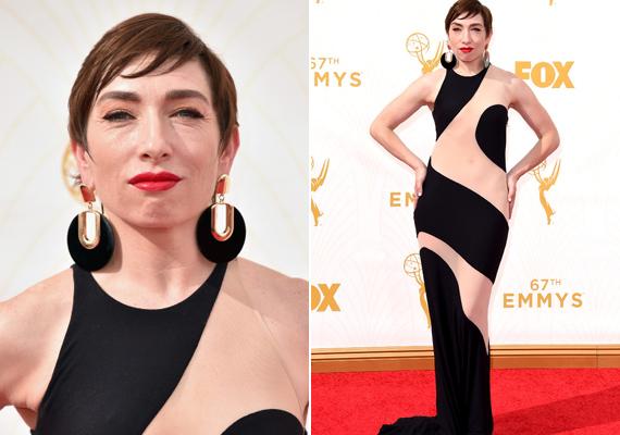 Naomi Grossman, az Amerikai Horror Story sztárja minden bizonnyal szexi hatást szeretett volna kelteni ezzel az átlátszó ruhadarabbal, azonban a twitterezők szerint inkább úgy festett, mint egy foltos tehén.