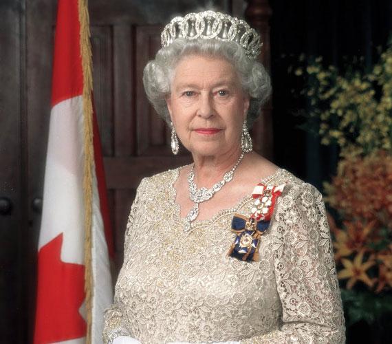 Diana hercegnő tragikus halála nem rendítette meg mélységesen a királyi családot, mivel ő egy évvel korábban elvált a trónörököstől. A királynő a temetés előestéjén - a közhangulatra tekintettel - mégis beszédet intézett a nemzethez, elismeréssel adózva a hercegnő életének és munkájának.