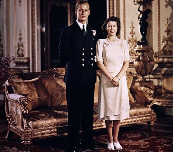 Fülöp edinburghi herceggel tízéves korában találkozott először. Erzsébet anyja ellenezte kapcsolatukat, a pár végül 1947. november 20-án esküdött meg.