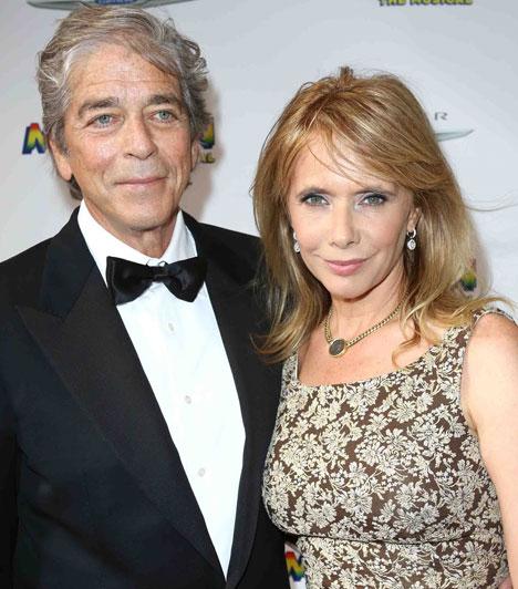 Rosanna ArquetteAz amerikai színésznő negyedszerre is kimondta a boldogító igent, augusztus 18-án Todd Morgan befektetési bankárhoz ment feleségül egy csendes kis ceremónián, Malibun.Kapcsolódó cikk:Negyedszerre is oltár elé állt »