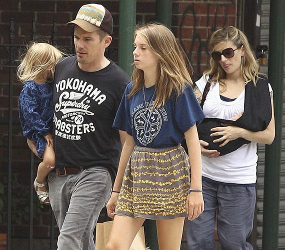 Első közös gyermekük, Clementine 2008 júliusának végén látta meg a napvilágot.
