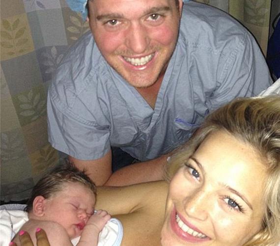 A 37 éves Michael Bublé és 11 évvel fiatalabb felesége már a szülőszobáról posztolta a jó hírt.