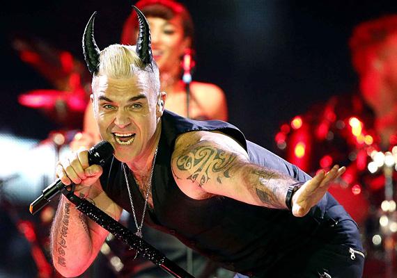 Robbie ördögi oldalát is megmutatja majd a Szigeten bulizóknak.