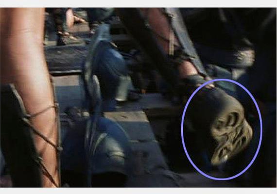 A Trójában jobban esett a harc a gyalogságnak, ha gumitalpú cipőben vívhatták, ez teljesen érthető.