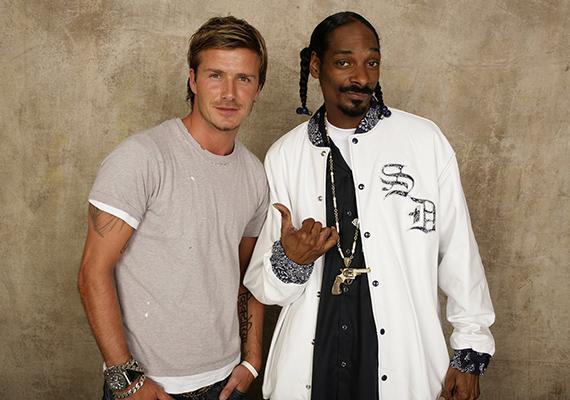 Bár nehéz elképzelni, David Beckham és Snoop Dogg is jó haverok, a rapper elmondása szerint gyakran összejönnek sütögetni valamelyikük kertjében.