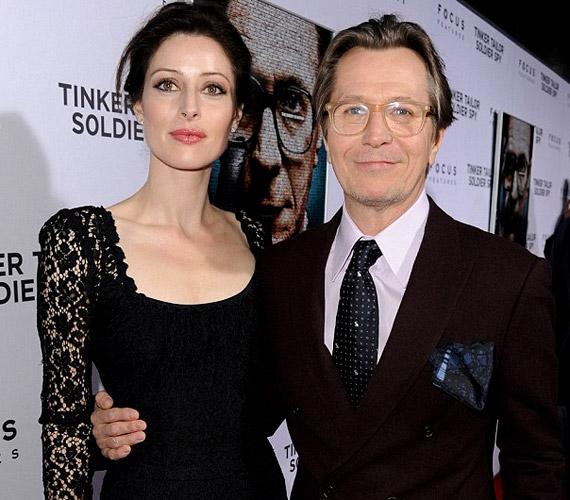 Alex Edenborough a világhírű színész negyedik felesége, jelenleg jazzénekesnőként dolgozik Los Angelesben.