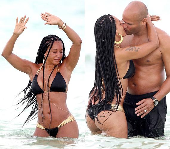A 40 éves Mel B, aki 15 éve vak az egyik szemére, tavaly Mexikó partjainál vetkőzött bikinire férje társaságában. A még ma is aktív énekesnőnek elképesztő alakja van, pedig három gyermeket szült.