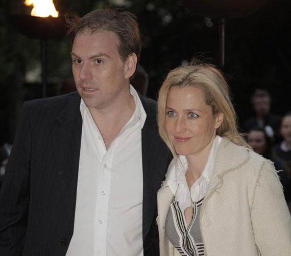 Gillian Anderson első férje Clyde Klotz volt, akitől három év házasság után 1997-ben vált el.