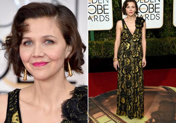 Maggie Gyllenhaal igazán felvehetne egy stylistot, ugyanis szinte minden évben bekerül a legrosszabbul öltözött színésznők közé. Ezt a ruháját a divatbloggerek így emlegették: a nagyi függönye.