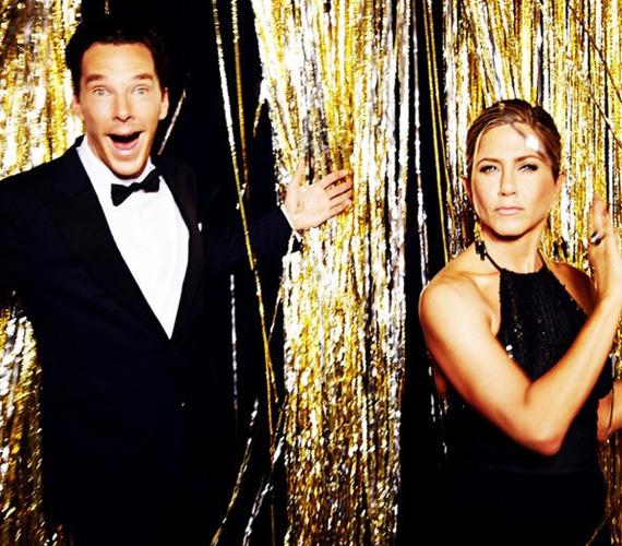 Sherlock megformálója Jennifer Anistonnal is mókázott egyet az Instagram-szobában: a brit sztár, akit a Kódjátszmáért jelöltek a legjobb színész díjára, hatalmas bárgyú vigyort nyomott a kamerának, míg amerikai kolléganője, aki a női kategória jelöltje volt, kicsit rosszalló tekintettel fotóztatta magát.