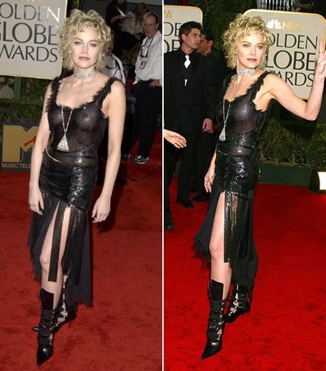 Sharon Stone - 2003  Minden irányból túl sokat mutatott magából Sharon Stone a 2003-as díjkiosztón. Versace ruhája így nem dögös, hanem inkább közönséges lett.