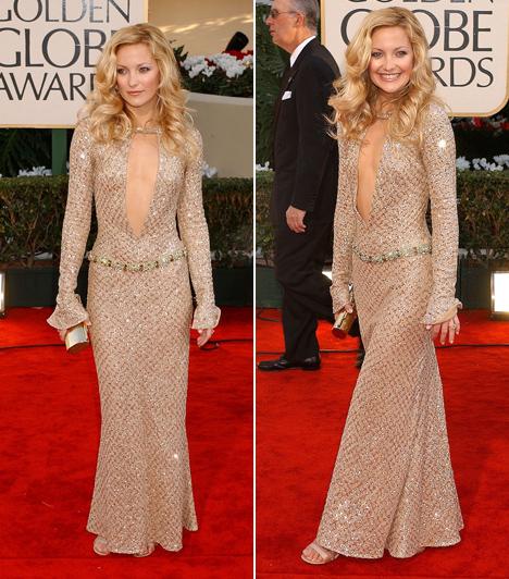Kate Hudson - 2002  Kate Hudson bebizonyította, hogy nem kellenek hatalmas cicik ahhoz, hogy valaki szexi dekoltázst villantson. Ebben a Versace ruhában minden szempár rászegeződött a 2002-es Golden Globe-díjátadón.