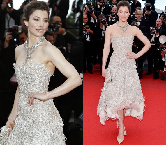 Jessica Biel Marchesa ruhája első pillantásra gyönyörűnek tűnik, másodikra viszont sok divatszakértő szerint mintha betömködtek volna a szoknyarész alá néhány szerencsétlen hattyút.