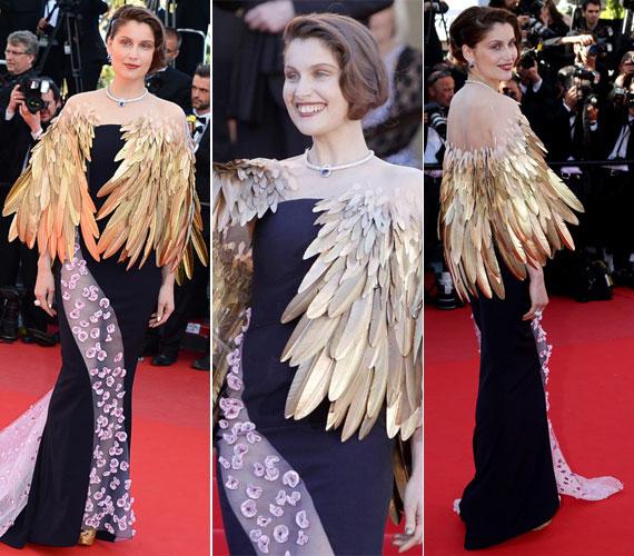 A francia modell és színésznő, Laetitia Casta is felemás tetszést aratott ezzel a szárnyas Dior kreációval.