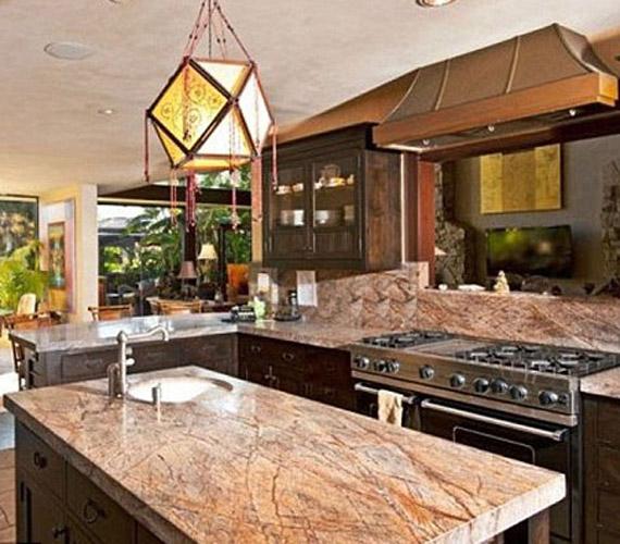 A konyha stílusosan praktikus, ahol nem munka, inkább élvezet a főzés.