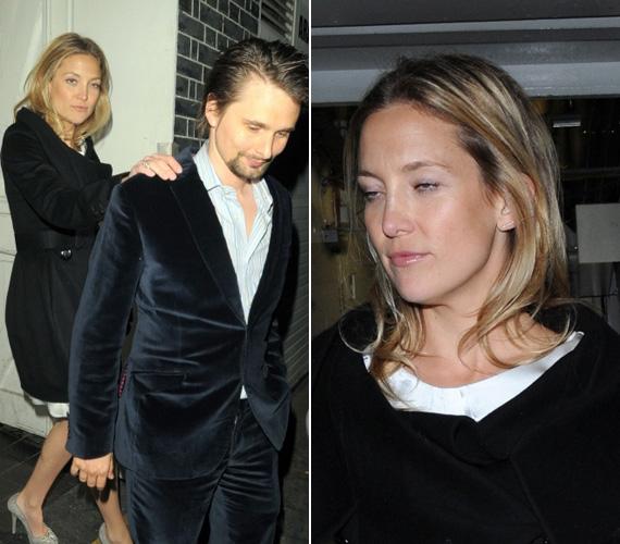 Láthatóan lánya, Kate Hudson sem éppen mértékkel italozott, ő is csak vőlegénye, Matthew Bellamy segítségével tudott távozni.
