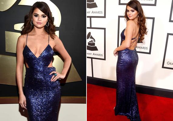 A nőies formáiról híres Selena Gomez most is előtérbe helyezte domborulatait ebben a csillogó, kékeslila Calvin Klein estélyiben.