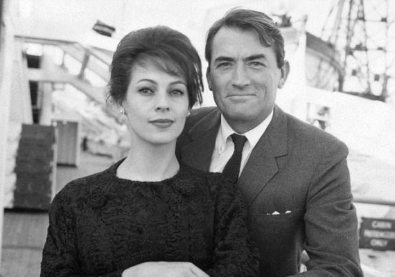 Második feleségével, Veronique Passanival boldog házassága volt, öt gyermekük született. Gregory Peck természetes halállal, álmában halt meg 87 évesen Los Angelesben.