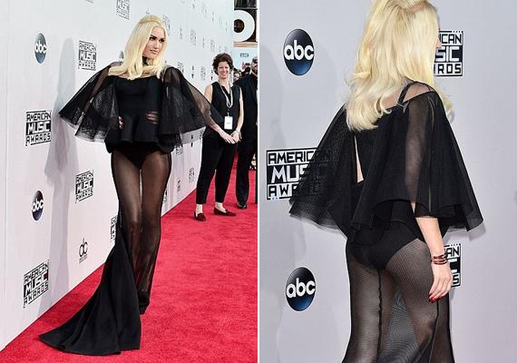 Gwen Stefani a válása óta igyekszik még kihívóbban öltözködni, mint régen, azonban ezzel a ruhával kicsit túllőtt a célon. Sokak szerint úgy festett, mintha a készülődés hevében a szoknyáját a fejére húzta volna.