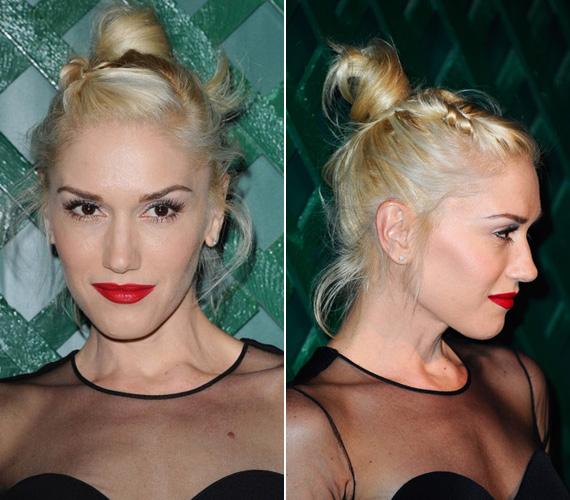 Gwen Stefani esetében természetesen nem hiányozhatott az élénkpiros rúzs sem. Szőke haját ezúttal egy balerinás, fonatokkal díszített kontyba fogta.