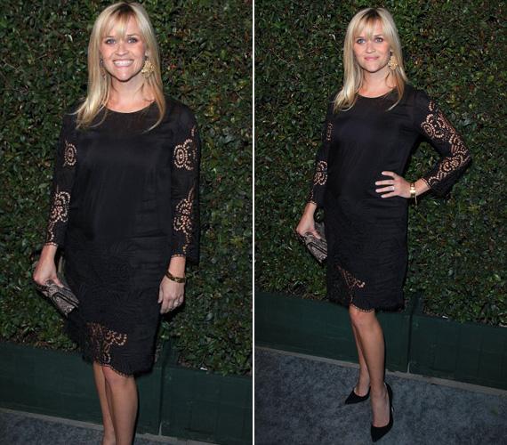 A kismama Reese Witherspoon is feketébe öltözött, az ő ruháját csipkeelemek tették egyedivé.