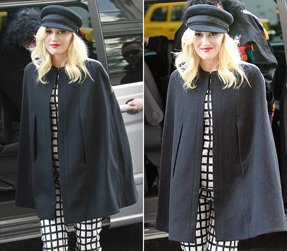 A fekete-fehér viseletet a szabadidejében is szívesen hordja.
