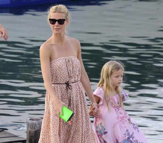Gwyneth Paltrow nem titkolta el, hogy második gyermeke világrajövetele és édesapja halála után depresszióval küzdött.