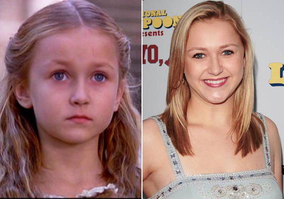 Skye McCole Bartusiak mindössze nyolcéves volt, amikor eljátszotta Mel Gibson lányát A hazafiban. Ezt olyan filmek követték karrierjében, mint A szexbomba, a Szelíd szerelem vagy az Ananász, emellett sorozatokban is felbukkant. A fiatal lányra barátja 2014. július 19-én eszméletlen állapotban talált a szülei houstoni házában. Míg a mentők kiérkeztek, próbálta újraéleszteni, majd a mentők még 45 percig folytatták, sikertelenül. Bár édesanyja szerint a 21 éves színésznő nem ivott és nem drogozott, október 13-án, hétfőn közzétették a boncolás eredményét: ennek értelmében véletlen túladagolásban halt meg, szervezetében fájdalomcsillapító, izomlazító vegyületek nyomát találták, továbbá difluor-etánét, ami egy illékony gáz, és belélegezve tompaságot, nagyobb adagban fulladást okoz úgy, hogy a beteg nem érzékeli a fulladásos állapotot.
