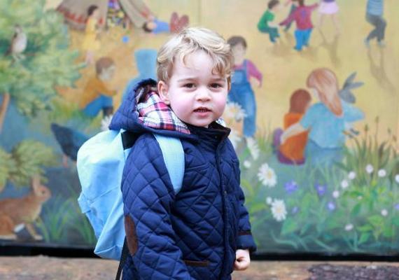 Még csak ovis a kis György, de már családi botrány lett a továbbtanulásából. A kis trónörökös egyelőre egy Montessori-óvodába jár, de a pletykák szerint hamarosan átkerül a cromeri Beeston Hall elnevezésű intézménybe.