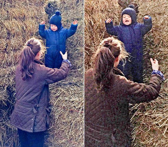 A nagy szalmabáláról mókás volt az ugrálás, ahogy a kisfiú arcán is látszik.