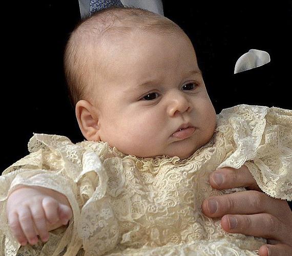 A kis herceg nagyon jól viselte a ceremóniát.