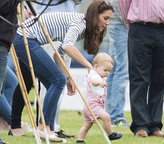 György herceg jövő hónapban lesz egy éves.