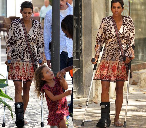 Még szeptemberben törte el a lábát a Cloud Atlas spanyolországi forgatásán, amikor egy szabadnapján kislányával, Nahlával kecskéket követtek a hegyekben, és Berry megcsúszott.